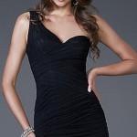 короткое черное платье на выпускной бал 2013