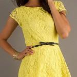 желтое платье с кружевами на выпускной бал