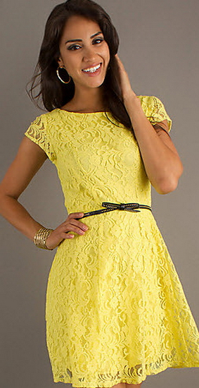 Платья из желтого кружева