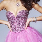 платье на выпускной розового цвета с пышной юбкой