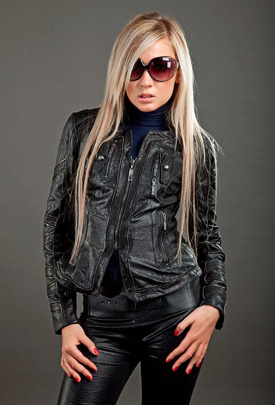 черная модная женская куртка 2013
