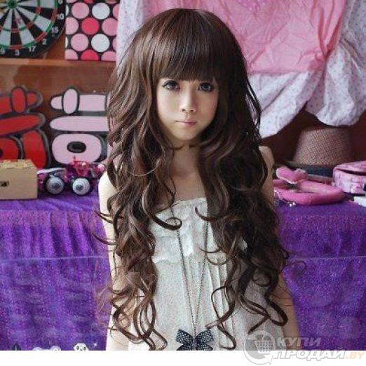 Красивый парик из длинных волнистых волос